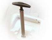 Ištraukiama rankena - vienas iš K55 kvėpavimo aparato privalumų